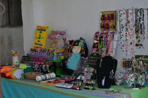 Detalles de la artesanía de los jóvenes de los Hogares y Rita